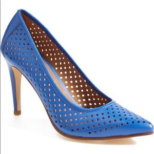 "HALOGEN ""Mandie"" Perforated Pointy Toe Pumps Blue"